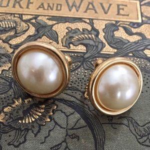 Vtg 80s Faux Pearl Napier Screw Clip On Earrings